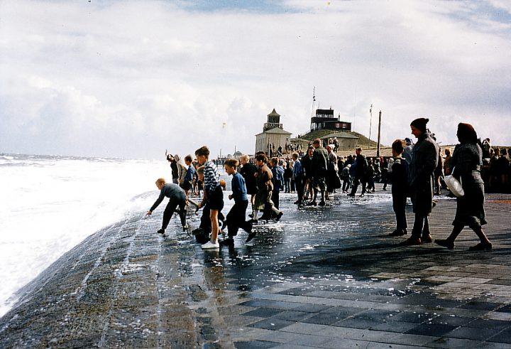 Sommersturm auf Norderney 60er jahre