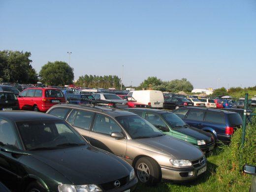 Norderney Parkplatz im Sommer