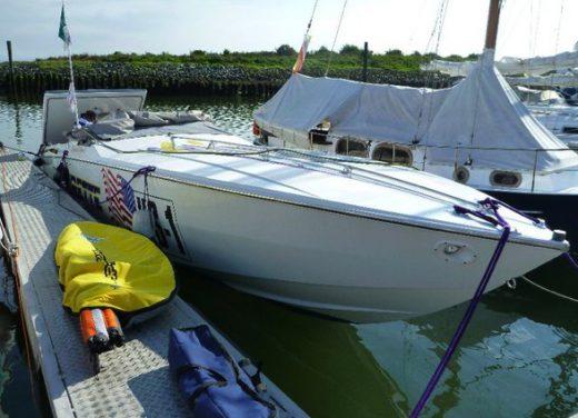 powerboot begleitschiff