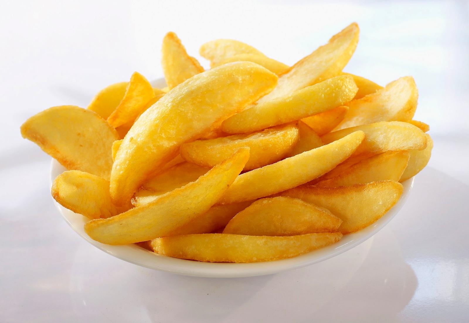 Pommes frites auf der Fähre nach Norderney