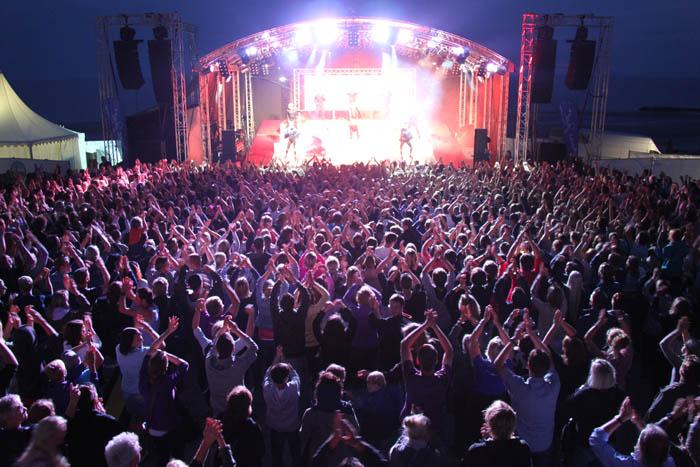2011 Konzert am Strand