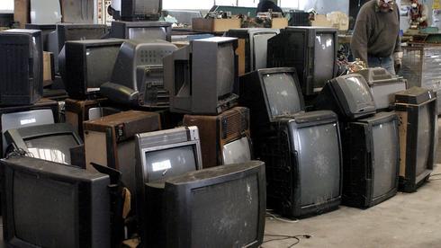 Röhrenfernseher sind Sondermüll!