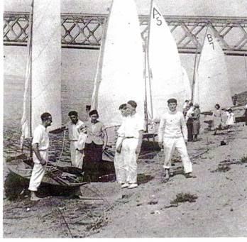 Chic der 20er beim Segeln