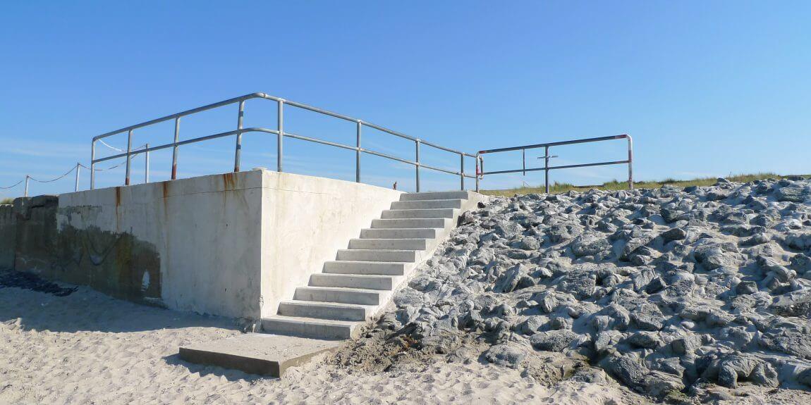 Treppe an den Strand