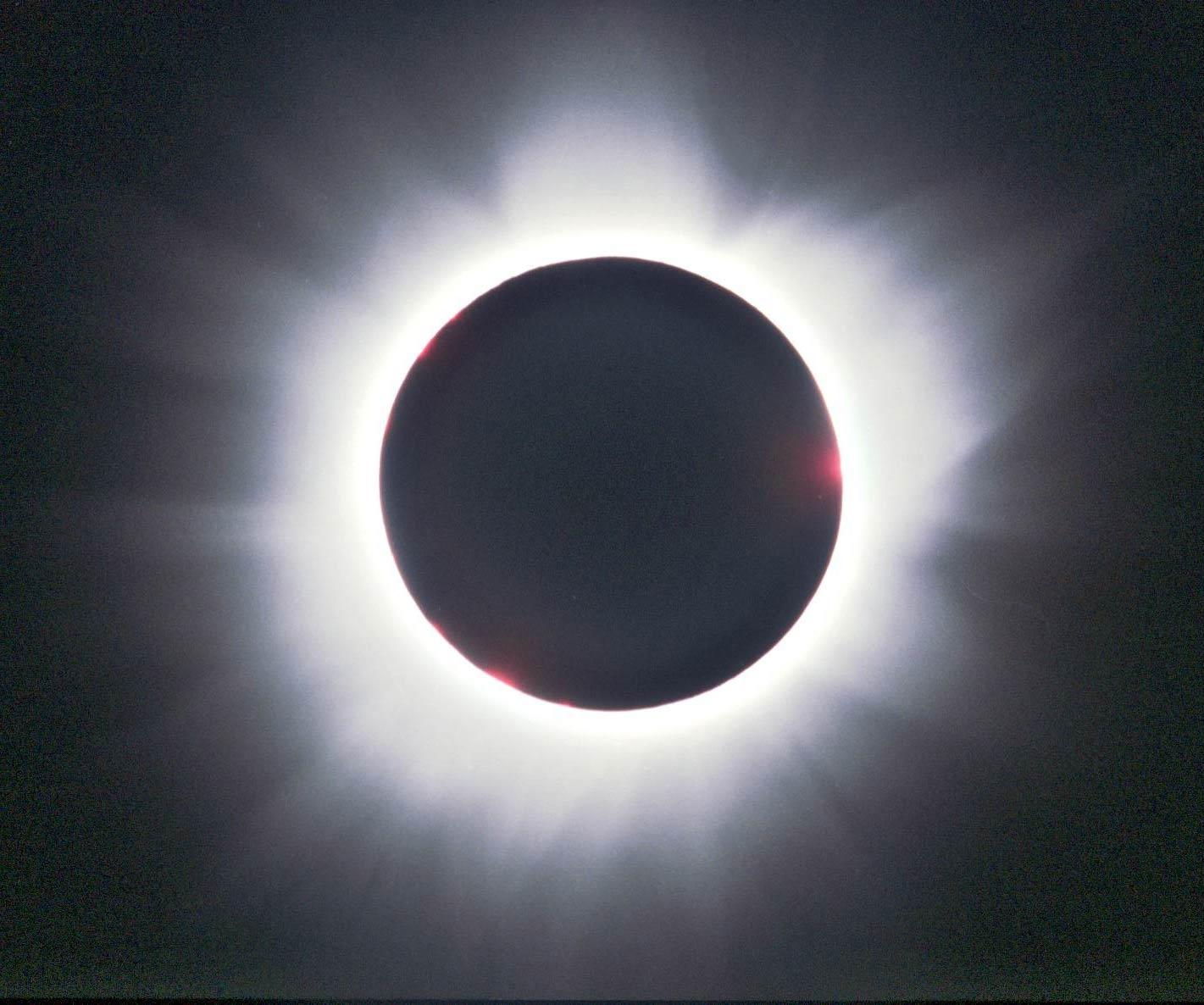 Sonnenfinsternis total