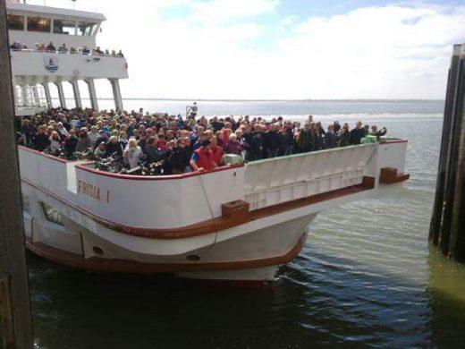 Frisia Ankunft am Pfingstsonntag