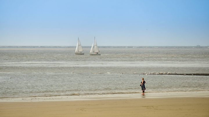 Sommerwetter Segleschule Norderney am Strand