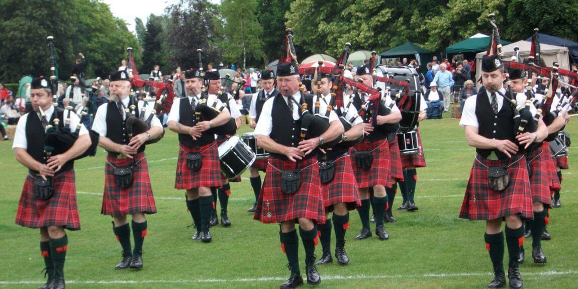 schottische pipe band