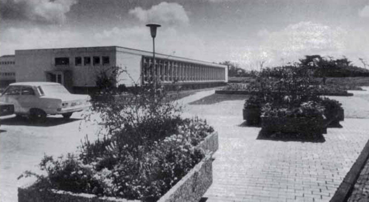 westflügel