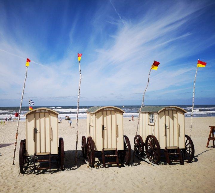Glücklich auf Norderney - Strandkarren