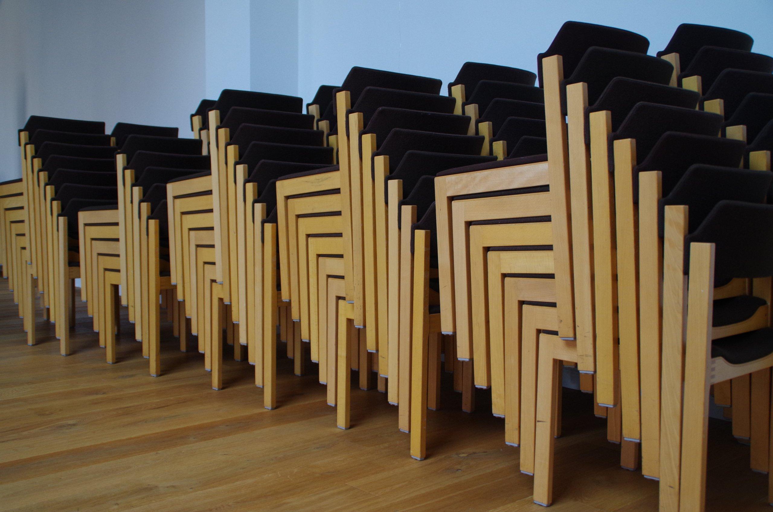 Gemeindehaus Stühle