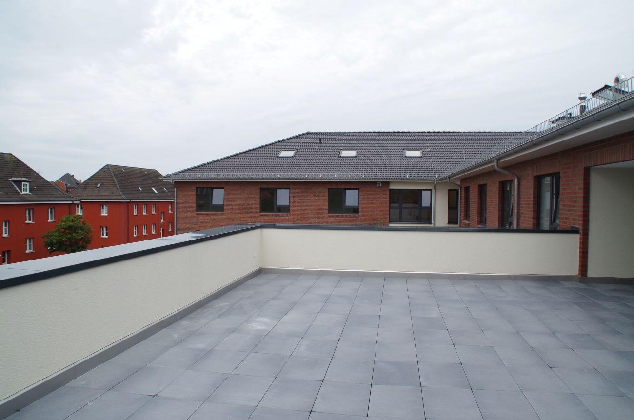 Große Dachterrasse des Altenzentrums To Huus